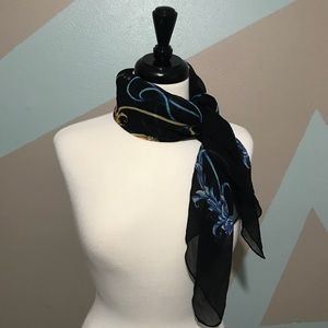 J. McLaughlin Black Blue White Chain Silk Scarf
